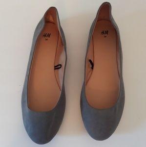 NWOT H&M Gray Women's Flats🌞